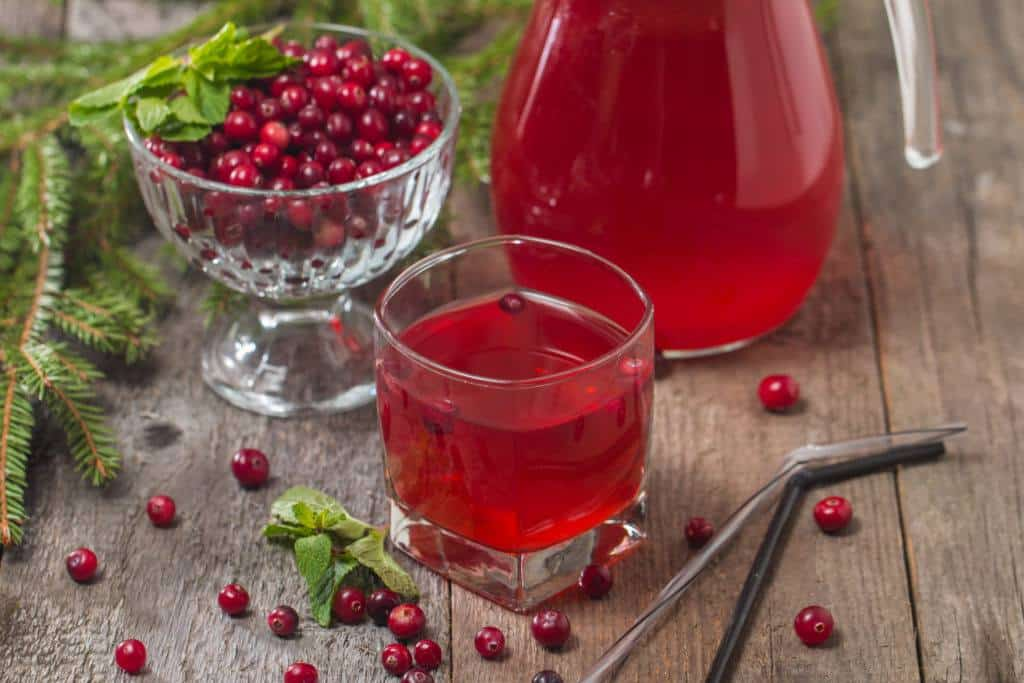 homemade detox drinks:cranberry juice