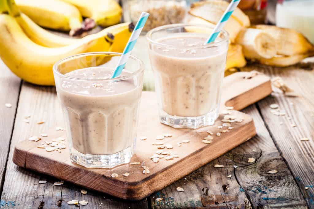 Banana, Peanut Butter, and Oats Energizing Smoothie