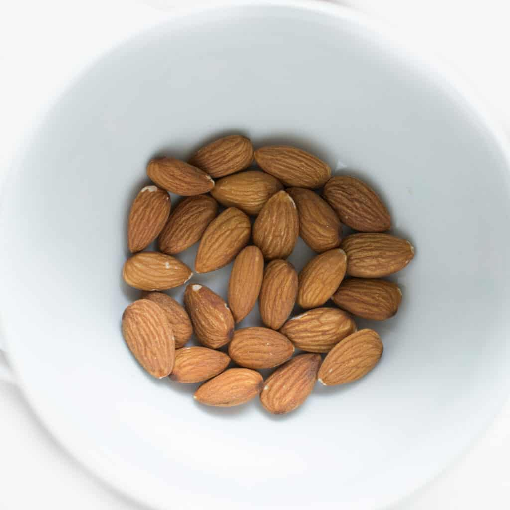Common Foods That Promote Weight Loss Naturally;Almonds