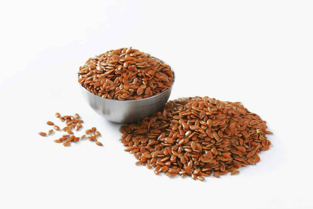 10 Common Foods That Promote Weight Loss Naturally:Flaxseeds