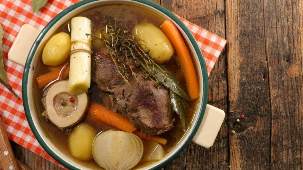 Best Foods For Hydration:Broths and soups