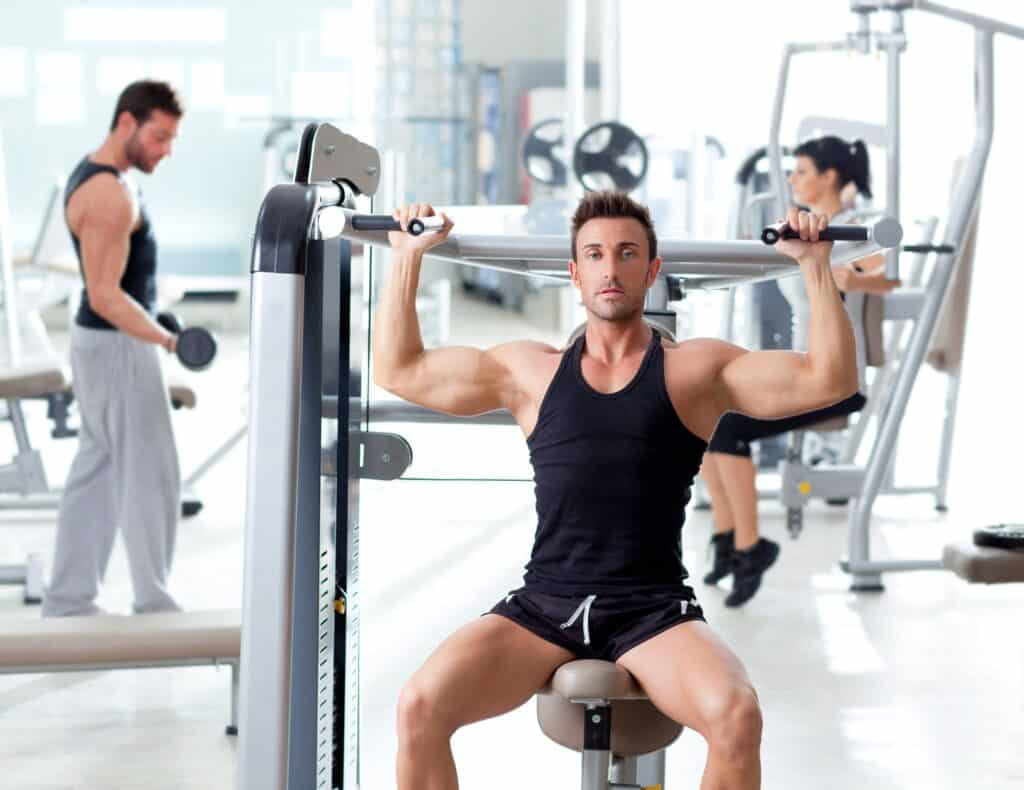 How to train smart:Fitness sport gym group of training